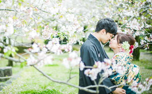 On-location photo shoot with Japanese wedding kimono and Western-style wedding gown